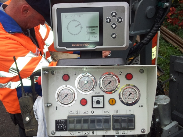 Kontrollstation Ortungsgerät, control station locator © TERRA AG, Reiden, Switzerland