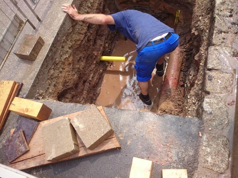 Das Neurohr ist verlegt, the new pipe has been pulled in © TERRA AG, Reiden, Switzerland