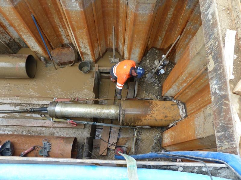 Stahlrohrrammung unter Autobahn, steel pipe ramming under highway© TERRA AG, Reiden, Switzerland