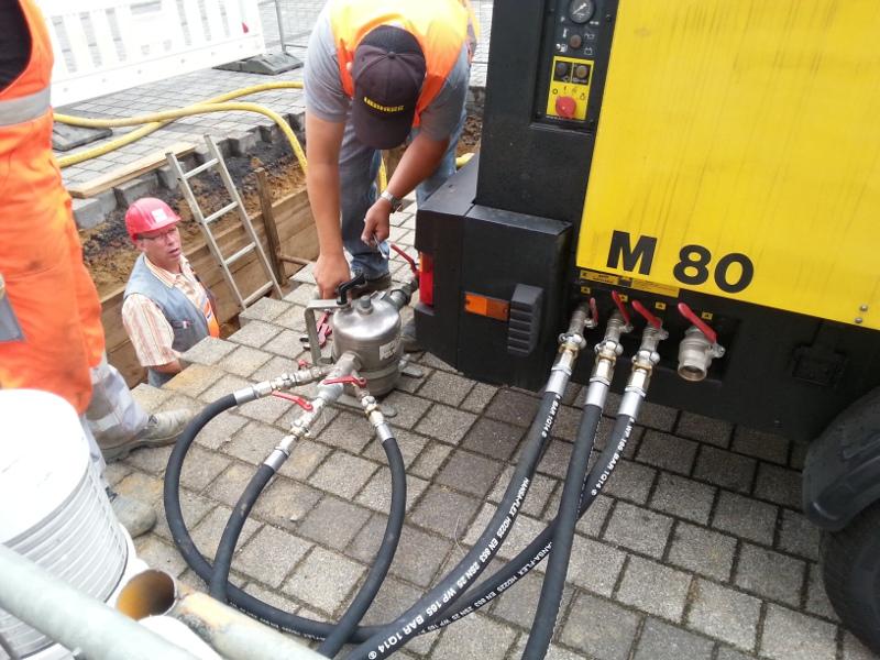 Öler am Kompressor angeschlossen, lubricator connected to the compressor © TERRA AG, Reiden, Switzerland