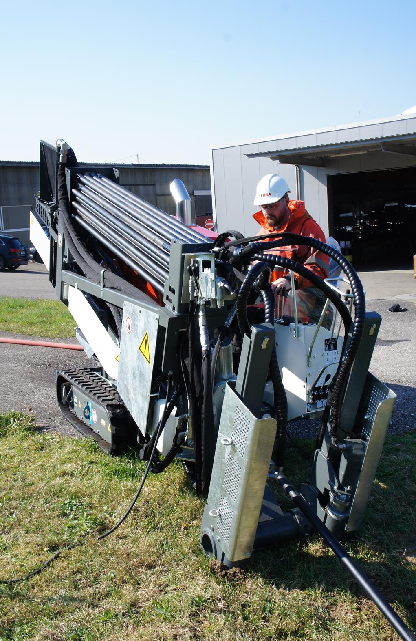 75 CV de puissance - moteur Diesel HATZ - la TERRA-JET DJ 10